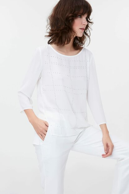 Women's Off White Blouse IS1190006175