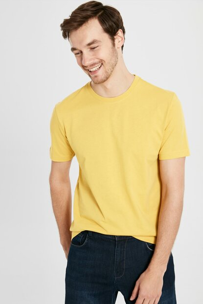 Men's Medium Yellow T-shirt 0S1780Z8