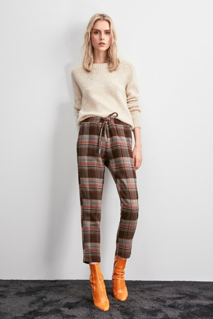 Multi Colored Binding Detailed Trousers TWOAW20PL0632