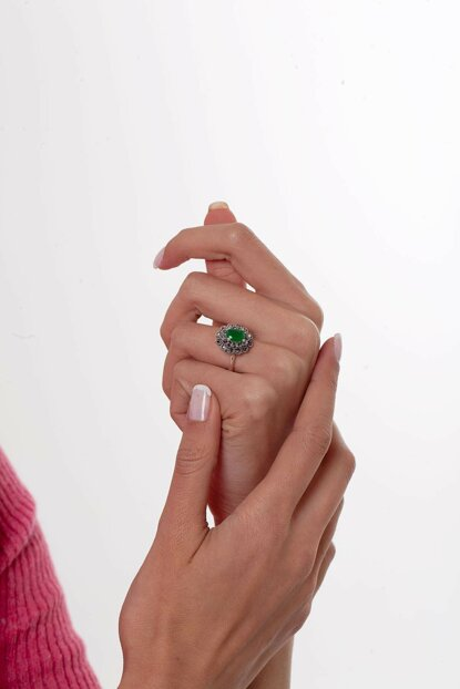 Women's Flower Pattern Emerald and Marcasite Sterling Silver Ring NNVSLVR03305