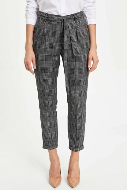 Women's Black Plaid Self-Belt Pants M3882AZ.19WN.BK27