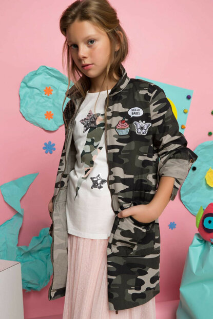 Young Girl with Khaki Arm Fold Multi-Pocket Parka H0049A6.Kh210 H0049A6.KH210