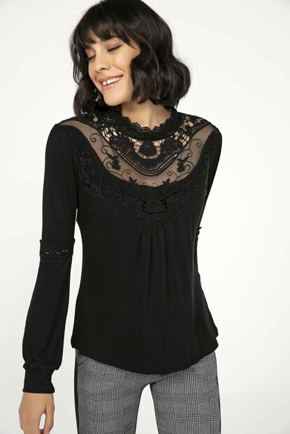 Women's Black Breasted Tulle Embroidered Strawberry Lycra Blouse Black S-20K3280005