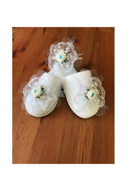 White Floral Tulle Puerpera Slipper And Crown PRA-733532-5103