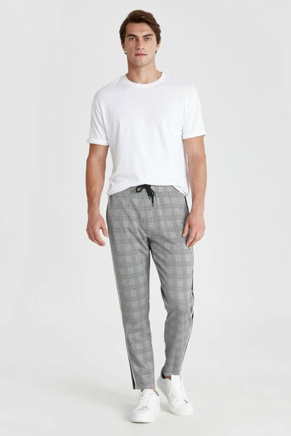 Men's Gray Plaid Trousers 9W1435Z8