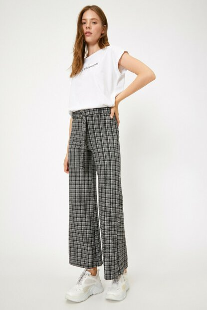 Women Black Normal Waist Check Pants0KAL48475IK