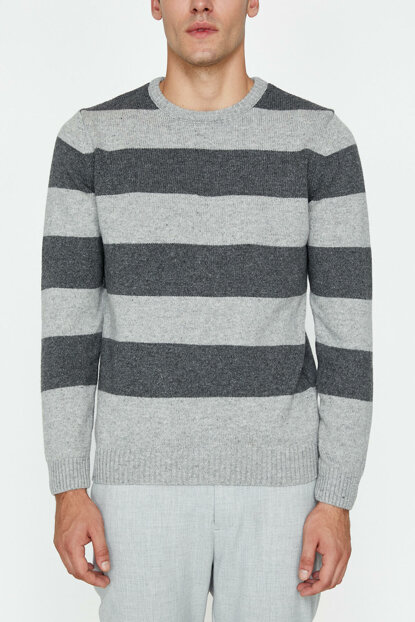 Men's Gray Striped Sweater 9KAM91166LT