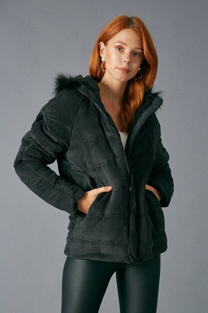 Women's Black Velvet Coat Black D89315-102