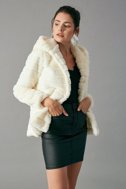 Women's Ecru Plush Coat Ecru D89256-109
