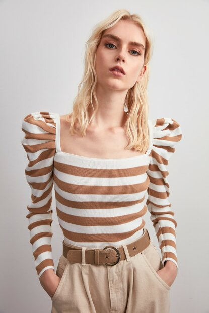 Camel Balloon Sleeve Striped Sweater Blouse TWOAW20BZ1230
