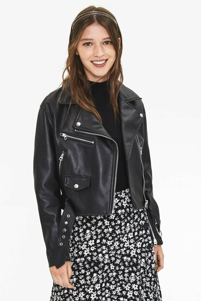Women Black Faux Leather Biker Jacket 06213109