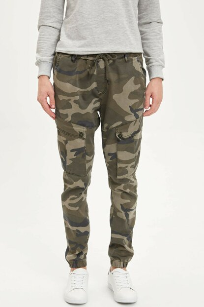 Men's Green Camouflage Printed Cargo Jogger Pants M9037AZ.19WN.GN349
