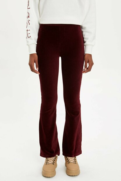 Women's Burgundy Flare Fit Woven Trousers M6602AZ.19WN.BR237