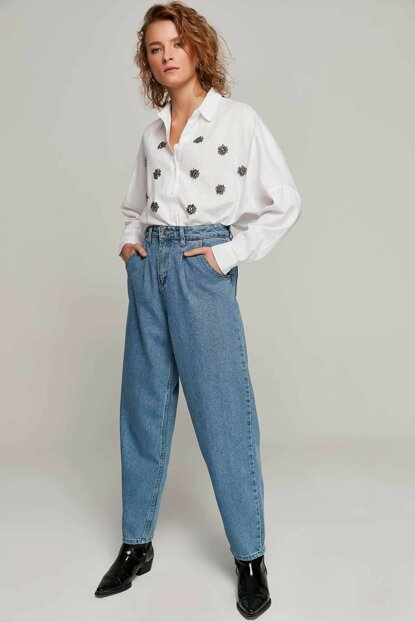 Women's Light Blue High Waist Pockets Mom Jeans Pants Y19W125-5005